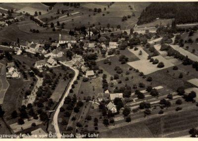 Postkartenansicht: Luftaufnahme von Dörlinbach.