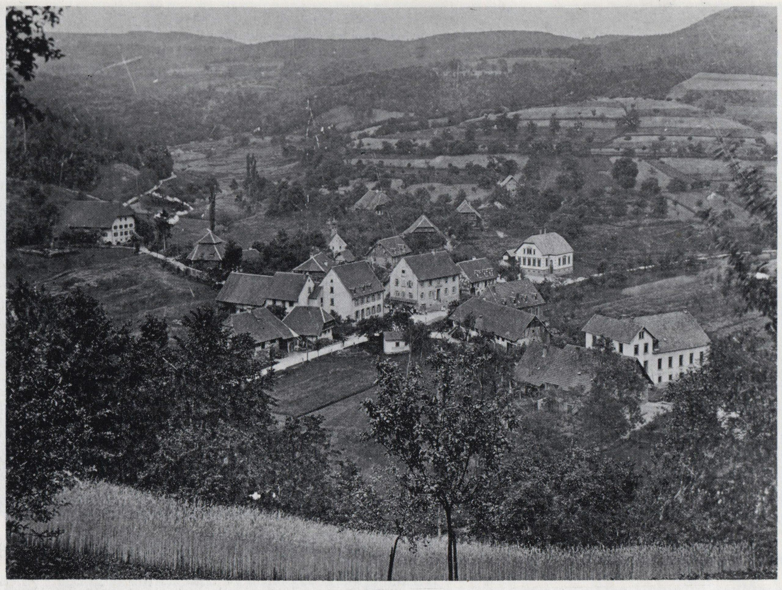 Postkartenansicht: Die wohl älteste Ansicht auf den Dorfkern von Dörlinbach aus dem Jahre 1905.