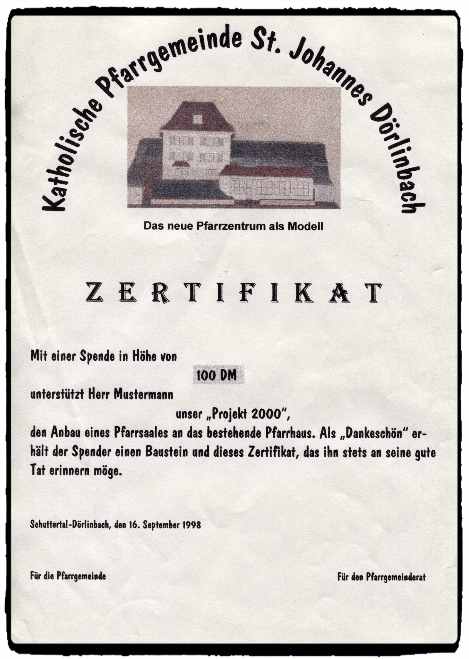 800 JAHRE Zertifikat Anbau Pfarrhaus Fotor scaled