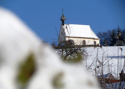Winterimpressionen im Februar 2021: Blick zur Gedächtniskapelle.
