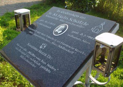 November 2008: Die Gedenktafel für die aus Dörlinbach stammende Schönstätter Marienschwester Maria Fiatis Schätzle, die im Juli 1993 in Buenos Aires verstorben ist