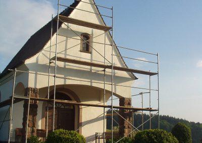 November 2008: Renovierung der Außenfassade der Gedächtniskapelle auf dem Kappelberg.