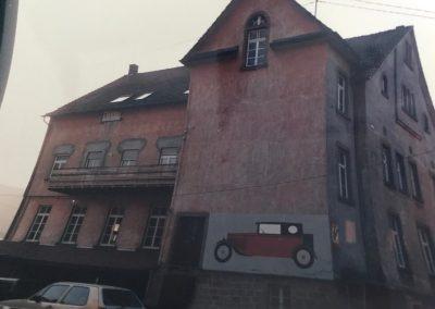"""Sabine Ketterer - Erinnerungen - Die Alte Fabrik, die ehemalige """"Stumpi"""", im Mühlweg Ende der 1980er-Jahre."""