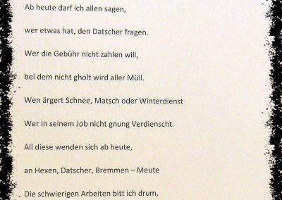 """Rathausstürmung 2012: Der Prolog des Bürgermeisters zur Entmachtung durch die """"Bremme"""", """"Schluchwaldhexen"""", """"Säcklistrecker Gugge"""" und dem """"Bremmedatscher""""."""
