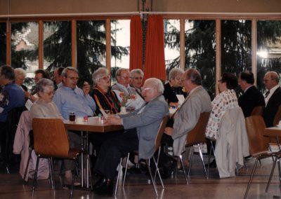 DRK-Seniorennachmittag in der Turn- und Festhalle in Dörlinbach im April 1998.