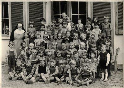 Die Kindergartenkinder der Jahrgänge 1953 bis 1956.