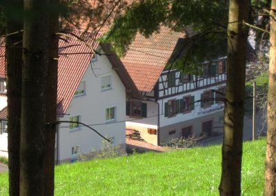 Blick auf den Mattesenhof (auch Schulzenhansenhof genannt) im Hof im April 2021. Erbaut wurde das Hofgebäude 1826, zuletzt renoviert 1989.