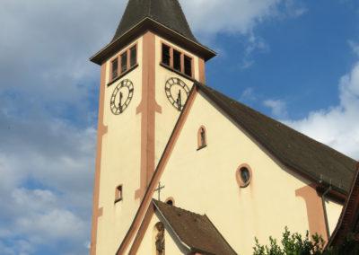 Blick auf die Dorfkirche St. Johannes im Juli 2018.
