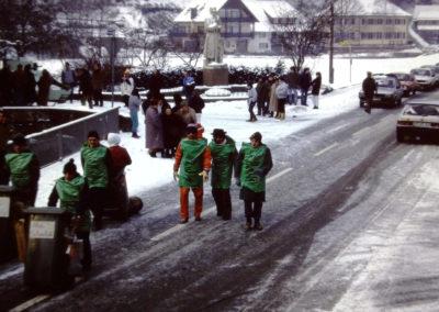 """Die Dörlinbacher Fasentsumzüge gingen vor allem in den 1980er-Jahren zunächst vom Ziegelhüttenplatz in Richtung """"Bremmewinkel"""", weiter über den Unterrain und bogen beim Gasthaus """"Engel"""" (Foto) wieder in die Hauptstraße ein, hin zur Festhalle."""