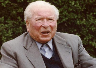 Alt-Bürgermeister Josef Billharz im April 2001.