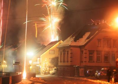 Impressionen vom Jahreswechsel 2010/2011 entlang der Hauptstraße.