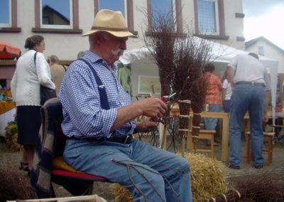 Impressionen vom Bauernmarkt beim Dorfhock der Dörlinbacher Feuerwehrabteilung im Jahre 2003.