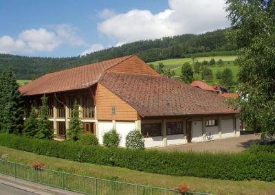 In der Turn- und Festhalle fand im Juni 2004 die bislang einzige Dörlinbacher Gewerbschau statt.