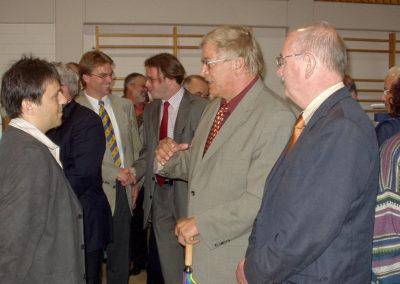 Gewerbeschau im Juni 2004: Viel lokale und regionale Prominenz bei der Eröffnung.